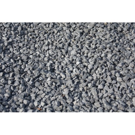 8-16mm Dyed Black Gravel / Chippings